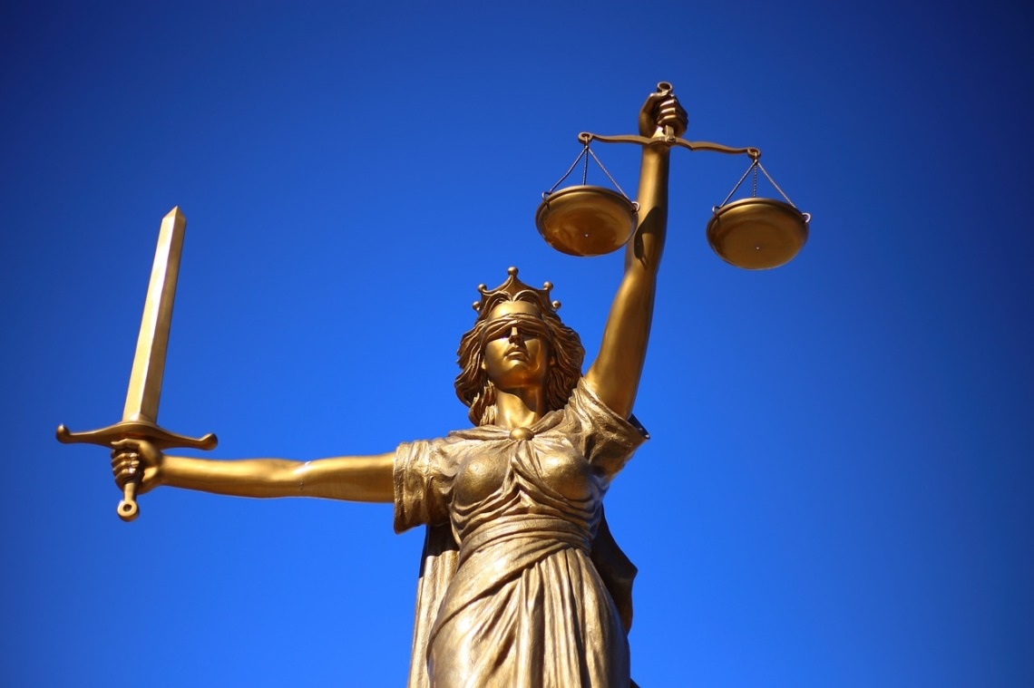 justice-2060093_1280(4)