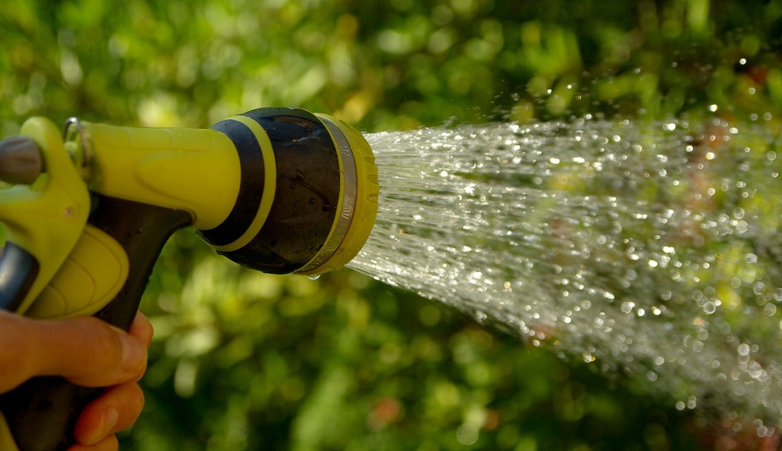 watering-1601143_1280