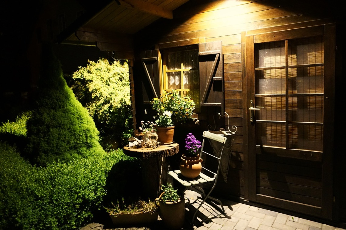 garden-shed-1433446_1280